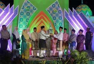 Alfedri Tutup MTQ XV Kecamatan Dayun