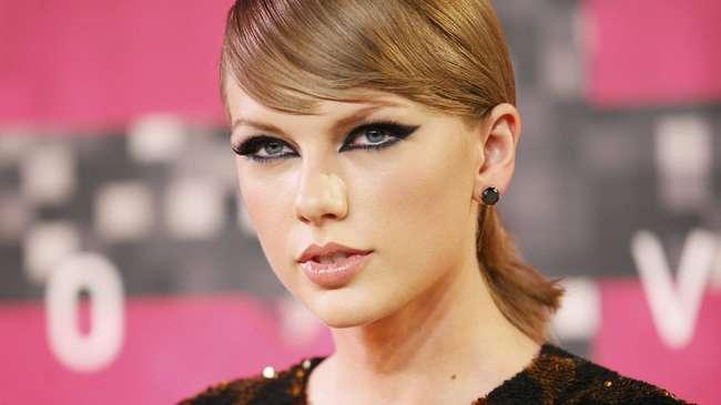 Taylor Swift Gagal 'Sikat Bersih' Piala MTV VMA 2015