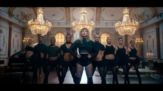 Taylor Swift Pecahkan Rekor Video Adele dan Psy dalam Sehari