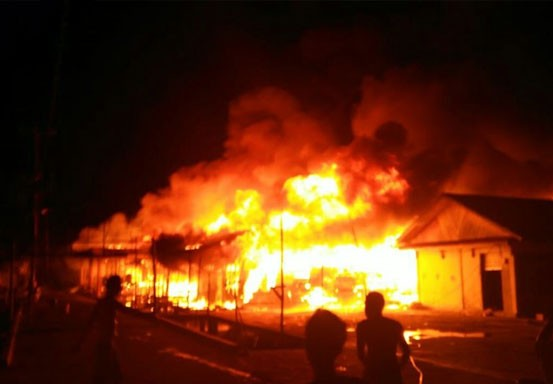 21 Rumah Hangus Terbakar di Rohil, 9 Kios Sengaja Dirusak untuk Mencegah Api Meluas