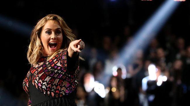 Adele Histeris Tonton Konser Reuni Spice Girls