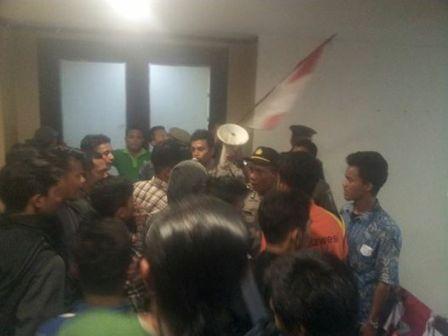 Ruang Gubri Nyaris Dimasuki, Puluhan Pendemo Bobol Penjagaan Ring Satu Gubernur Riau