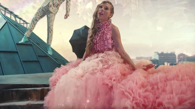 Taylor Swift Sebut Ada Banyak Teka-teki di Video 'ME!'