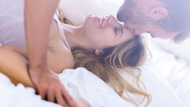 Enam Posisi Seks Aman Saat Hamil
