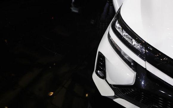 5 Cara Membersihkan Mika Lampu Mobil yang Buram
