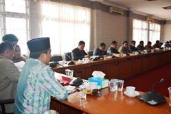Ketua DPRD Pelalawan Pimpin RDP Bahas Konflik Warga Vs PT Lazuardi
