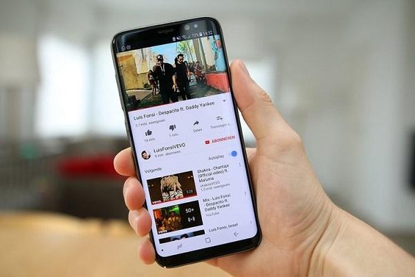 YouTube Pensiunkan Tampilan Klasik Bulan Depan