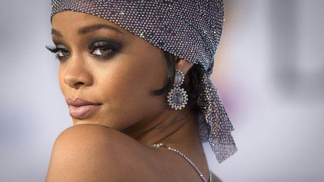 Putus dengan Drake, Rihanna Kencani Bos Toyota Arab