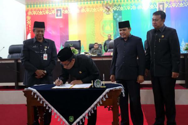 DPRD Meranti Paripurnakan APBD-P 2015