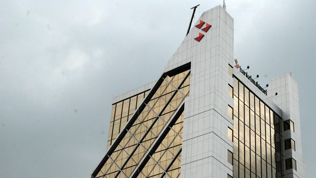 Polisi Tangkap Pegawai Bank Riau Curi Uang Nasabah Rp1,3 M