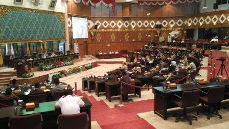 Gaduh Eskalasi, Lima Fraksi DPRD Riau Sepakat Bentuk Pansus Hak Angket
