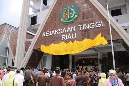 Kejati Riau Usut Pengadaan Mobil Dinas Rp1,3 Miliar di Dumai