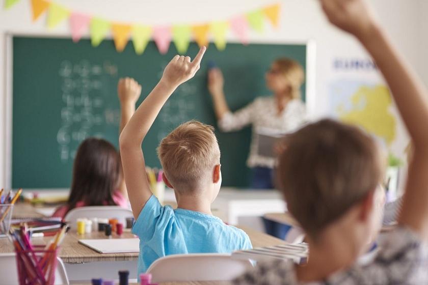 Saat Politik Mengganggu Sekolah Siapa yang Diutamakan?