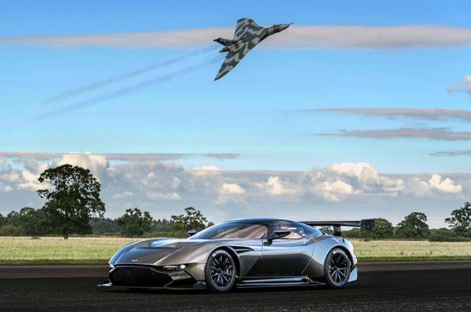 Aston Martin Vulcan Dipersembahkan untuk Mengenang V Bomber