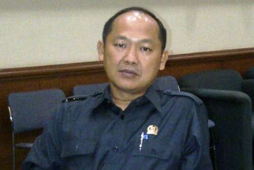 Aseng Kembali Ngantor ke DPRD Riau
