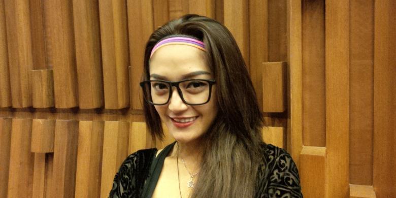 Siti Badriah Gampang Jatuh Hati