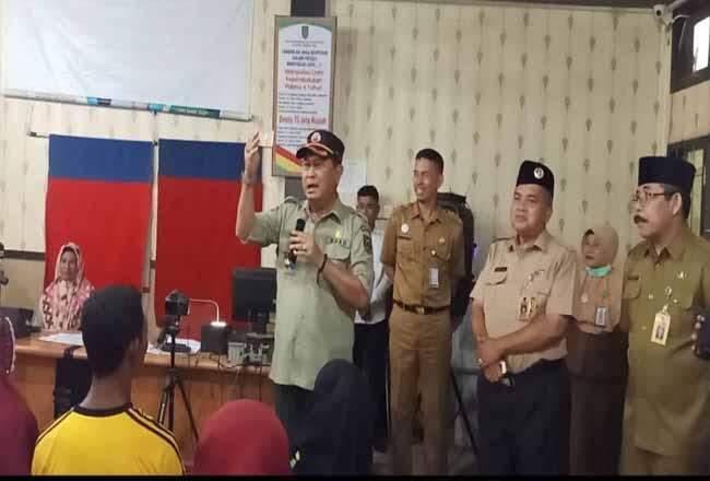 Wabup Syamsuddin Sidak Lihat Kenirja Pegawai Disdukcapil