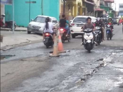 Jalan Baru di Kota Dumai Ancam Keselamatan Warga,