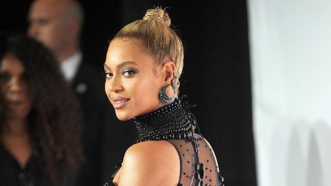 Aksi Beyonce, Kim K, dan Coldplay Bantu Korban Badai Harvey