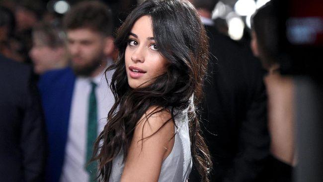 Camila Cabello Bintangi Film Remake 'Cinderella'