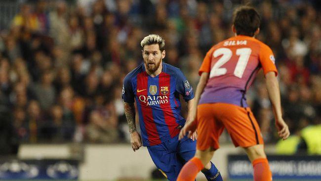 Digne Rekan Setim dan Idola Messi di Barcelona