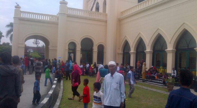 Hari ke -3 Idul Fitri, Istana Siak Diserbu Ribuan Pengunjung