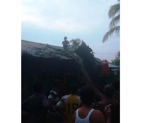 12 Rumah di Rohul Rusak akibat Puting Beliung