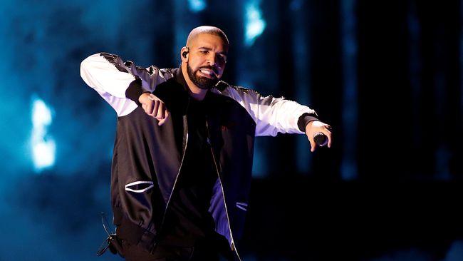 Drake Jadwal Ulang Konser karena Cedera Kaki