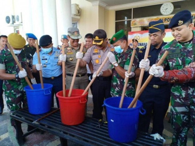 Polres Dumai Musnahkan 3 Kg Sabu