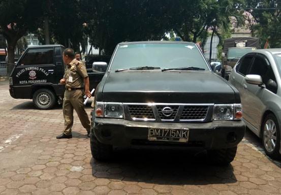 Satpol PP Jemput Mobil Dinas di Rumah Mantan Anggota DPRD Pekanbaru