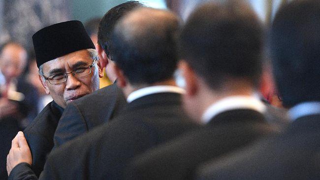 Ketua OJK 'Ogah' Komentari Kasus Bank Century