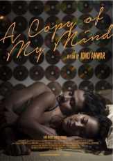 Super Hot, Chico Jericho-Tara Basro Pelukan di Ranjang di Poster 'A Copy of My Mind'