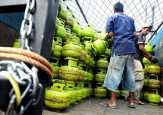 Sidak Gas Elpiji Disperindag Siak di Bungaraya Lebih Dua Jam Warga Menunggu Datangnya Gas