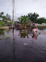 Pasang Besar Mengakibatkan Rumah Warga Banjir