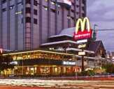 Satpol PP Bubarkan Kerumunan Penutupan McDonald's Sarinah