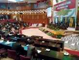 Pimpinan dan Anggota  DPRD Provinsi Riau Absen Saat Pelantikan dan Paripurna