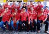 Penyerahkan SK PBB DPC Kota Medan