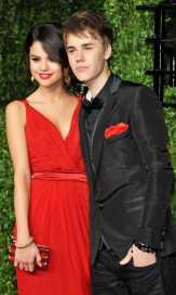 Justin Beiber Dukung Penuh Selena Gomez Hadapi Lupus