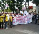 Ditelpon Orang Pemko Pekanbaru, Ratusan Demonstran Jadi 'Galau'