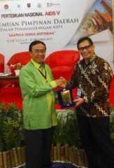 Bupati Inhil Terima Penghargaan KPA Terbaik se Sumatera