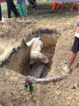 Bongkar Makam Efa untuk Autopsi, Polisi Temukan Retak pada Tengkorak Kepala dan Bekas Cekikan