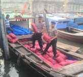 Polisi Dumai Tangkap Kapal Bermuatan 300 Kampit Bawang Merah