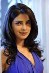 Priyanka Chopra Segera Putuskan Bintangi Film Bollywood