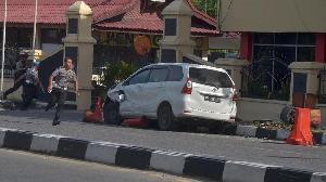 Penyerangan di Mapolda Riau Sejumlah Anggota Polisi Terluka
