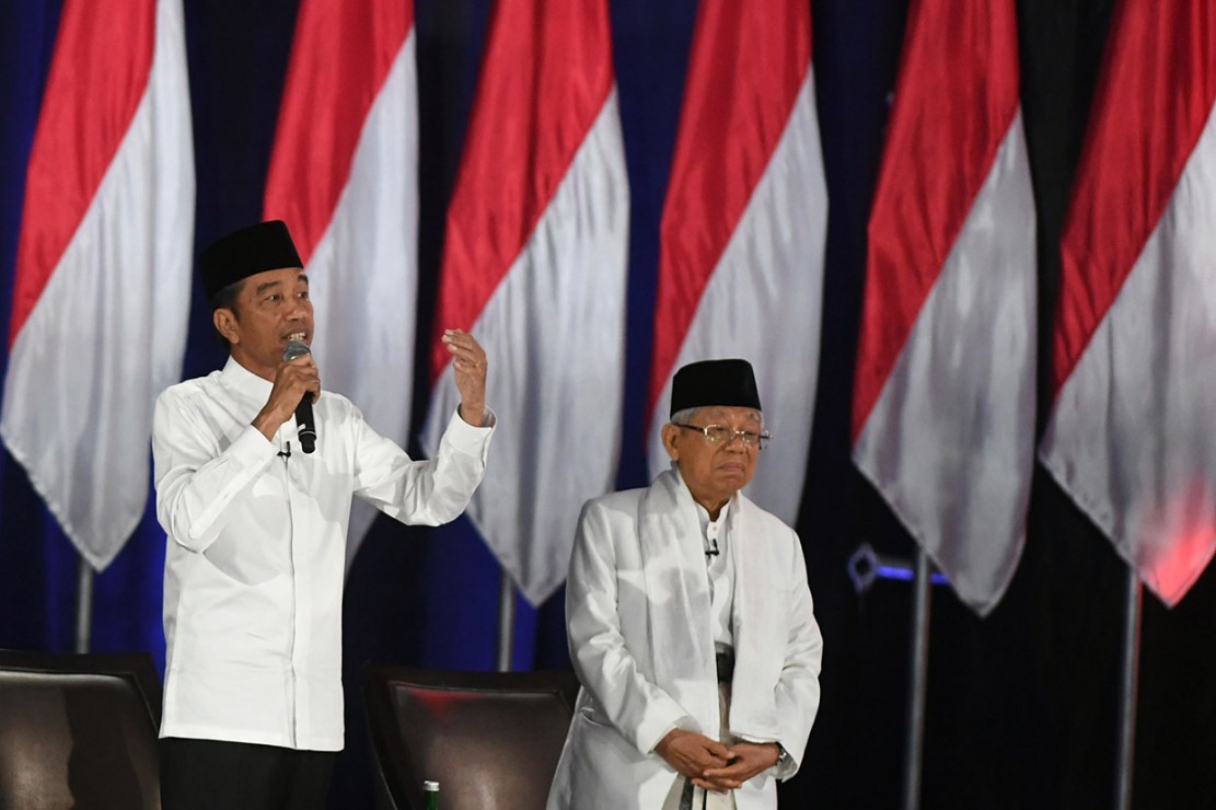 Jokowi: Mekaar, Kredit UMi Bantu Perempuan Produktif