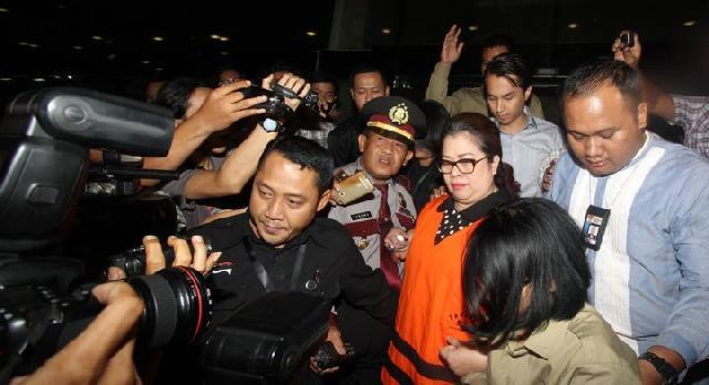KPK Tahan Anggota DPR Dewi Yasin Limpo