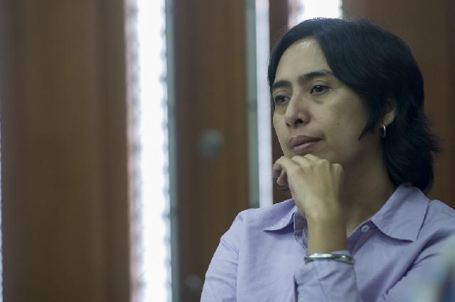 Rinelda Bandaso Divonis 4 Tahun Penjara
