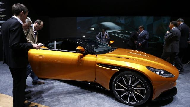 Debut Aston Martin DB11