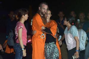Pasangan Bule Pembunuh Polisi Jalani Rekonstruksi