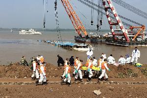 Korban Tewas Tenggelamnya Kapal Pesiar China 331 Orang